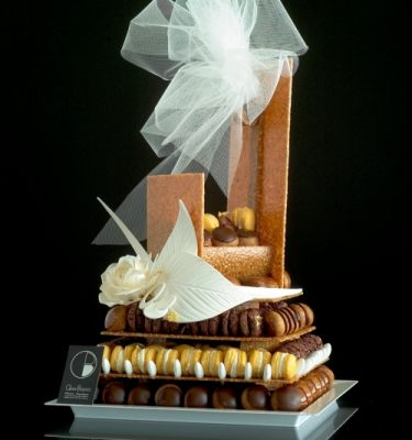 Pièce Montaée choux et macarons Olivier Bajard