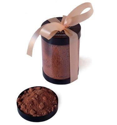 66-Pyrénées Orientales - 66000. Perpignan. Bajard. Ecole Internationale de Pâtisserie. Le chocolat en poudre pour un délicieux chocolat chaud. Tube.